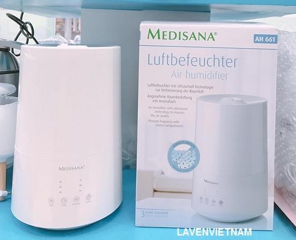Máy tạo ẩm Medisana AH661 dưỡng ẩm và tiết kiệm năng lượng biến đổi nước thành độ ẩm tốt, giúp tăng độ ẩm của không khí trong phòng, cải thiện chất lượng không khí.
