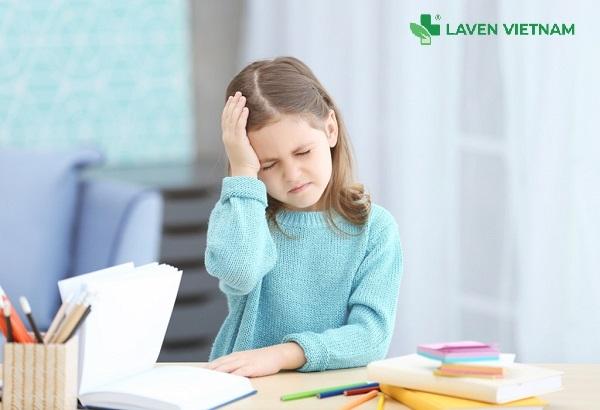 Đau đầu ở trẻ em tuy không phải nguy hiểm tính mạng nhưng ảnh hưởng lớn đến khả năng tập trung học tập của trẻ