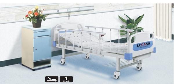 Giường bệnh nhân Lucass GB-1 có 4 bánh xe di chuyển, chịu được tải trọng người dùng nặng 300kg.