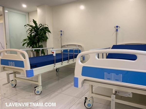 Cung cấp Giường bệnh nhân 1 tay quay TaJerMy G01B cho bệnh viện