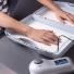 Bệnh tăng tiết ra mồ hôi tay chân có di truyền không?
