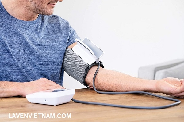 Máy đo huyết áp bắp tay Beurer BM51 phát hiện và cảnh báo khả năng rối loạn nhịp tim