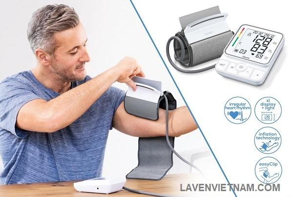 Máy đo huyết áp bắp tay Beurer BM51 đo nhanh chóng và tự động. Được công nhận bởi Hiệp hội Huyết áp Châu Âu.