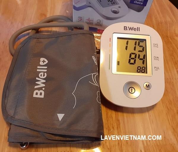 Máy đo huyết áp B.Well PRO-35 phục vụ cho việc đo huyết áp và nhịp mạch nhanh chóng và chính xác có hệ thống. Thiết bị này là thiết bị y tế được đăng ký tại Liên bang Nga và được chứng nhận tại Liên minh Châu Âu