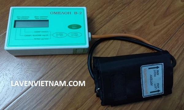 Máy đo đường huyết không cần lấy máu Omelon B2