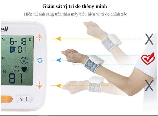 Thiết kế Máy đo huyết áp cổ tay Yuwell YE8900A nhỏ gọn tinh tế