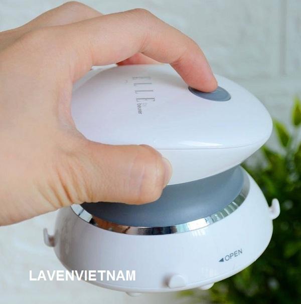 Tạo cảm giác hạnh phúc sau spa tại nhà với máy mát xa mini của Beurer, với 12 vòi massage để giảm căng thẳng và thư giãn cơ bắp công nghệ IPX7 chống nước - có thể được sử dụng khi tắm hoặc trong bồn tắm