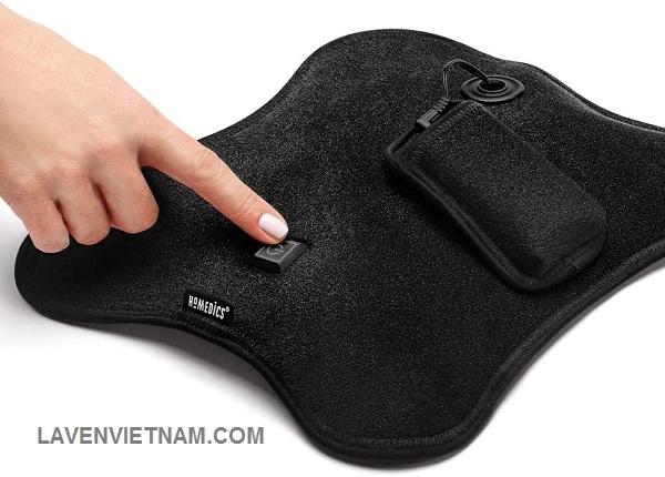 Đai massage bụng HoMedics đi kèm pin sạc tiện lợi để bạn có thể mang theo sử dụng ở mọi nơi mà không cần cắm dây phức tạp.