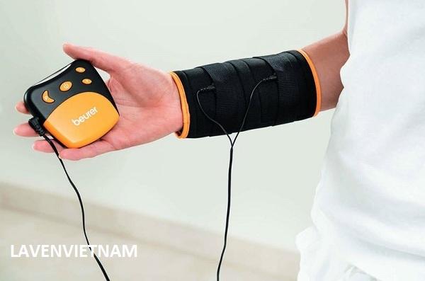 Máy massage xung điện Beurer EM28 giảm đau cổ tay và cẳng tay