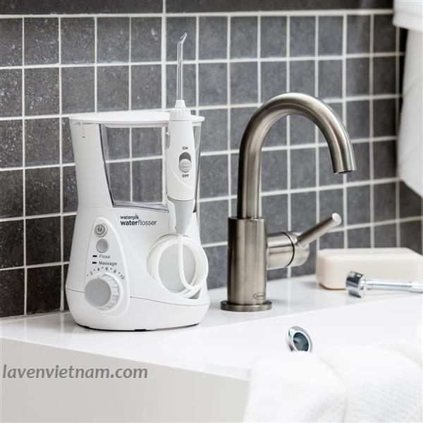 Waterpik WP660 để bàn dành cho đối tượng hộ gia đình vì vậy nó cung cấp tới 7 đầu tips cùng 10 mức áp lực nước khác nhau