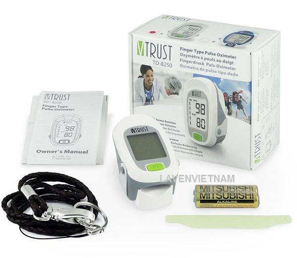 Máy đo nồng độ oxy SpO2 và nhịp tim Uright Vtrust TD-8250A Thiết kế màn hình LCD dễ dàng cho bệnh nhân theo dõi chỉ số.