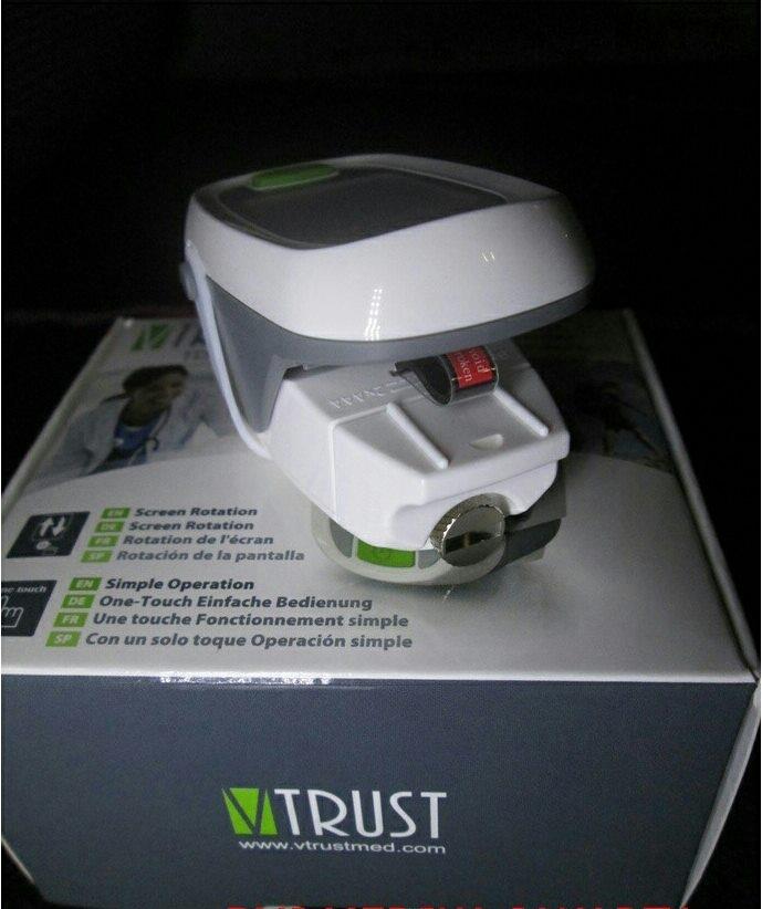Máy đo nồng độ oxy SpO2 và nhịp tim Uright Vtrust TD-8250A