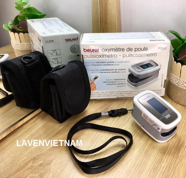 Máy đo độ bão hòa oxy trong máu Beurer PO30 để đo và theo dõi lượng oxy trong máu lẫn theo dõi mạch tiện dụng và chính xác.