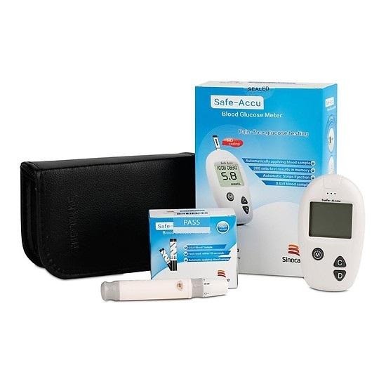 Máy đo đường huyết Sinocare sử dụng que thử tự động lấy lượng máu rất nhỏ 0.6µl (microliter) ở vùng lấy máu tự chọn ngón tay. Máy đo đường huyết Sinocare có thể đo trong phạm vi từ 20 – 630mg/dl (1.1-35mmol/l).