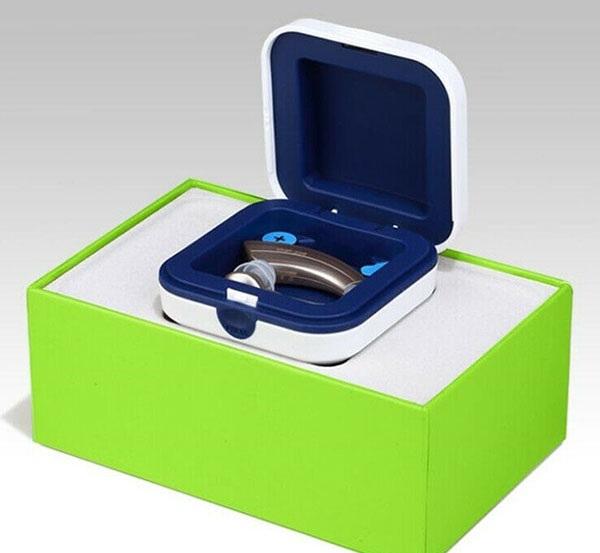 Hộp bảo quản chuyên dụng, chống ẩm: Máy được trang bị hộp bảo quản giúp tăng độ bền cho máy khi mang đi xa. Hỗ trợ khay pin dự phòng, cùng khả năng chống ẩm.