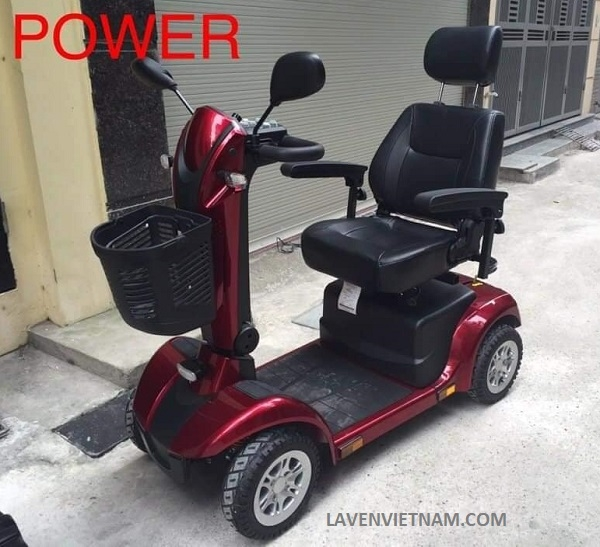 Thiết kế xe điện 4 bánh chắc chắn an toàn cho người lớn tuổi khi di chuyển