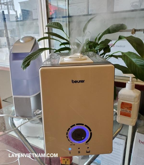 Beurer LB88 có đi kèm 15 miếng chống vôi để ngăn quá trình vôi hóa quá nhanh, 15 miếng thơm để sử dụng với hương liệu và bàn chải làm sạch