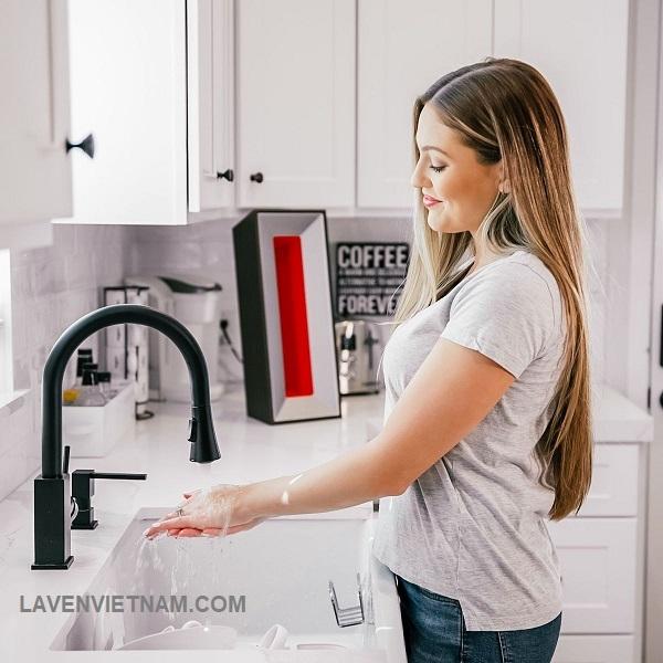Trang bị máy lọc không khí trong gia đình là bảo vệ sức khỏe của bạn và người thân