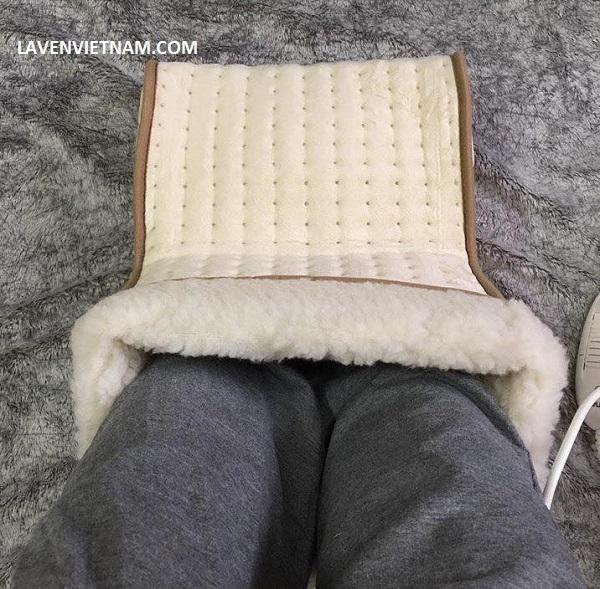 Chân bé chân to đều có thể vừa, lót trong là lông cừu ấm áp mà không bị bí khí, dẫn đến toát mồ hôi.
