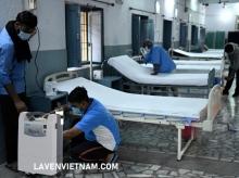 Tình trạng thiếu oxy ở Ấn Độ do COVID-19 tàn phá gây ra khủng hoảng máy tạo oxy
