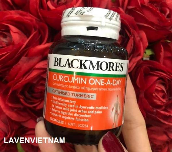 Tinh bột nghệ (curcumin) là tinh chất hoạt tính được tìm thấy trong củ nghệ (turmeric), rất giàu chất chống oxy hóa (antioxidant) và là một chất chống viêm mạnh mẽ.