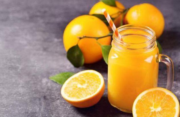 Phòng bệnh tim mạch bằng uống nước cam thường xuyên